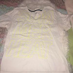 DKNY men's white vneck T-shirt XXL! EUC!